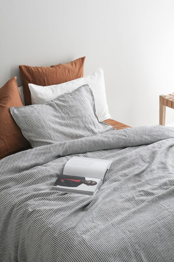 linen bedding 10 Elegant and Functional Minimalist Bedroom Ideas You Can Try Right Now