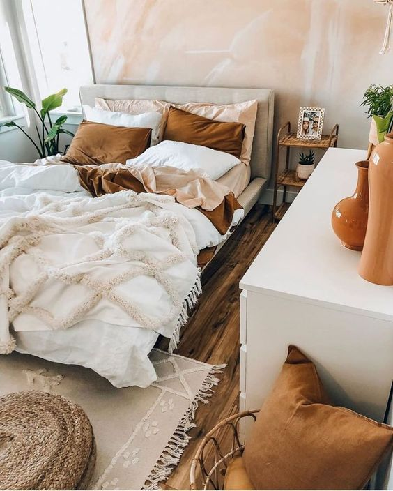 mid century boho bedroom 50+ Aesthetic Bedrooms And 9 Tips On How To Decorate Yours