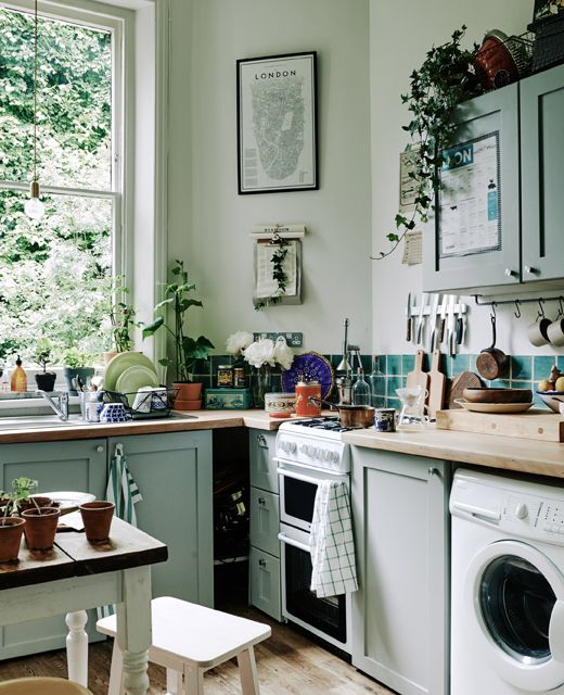 mint kitchen The Psychology Behind Interior Colors: How To Pick the Perfect Shade?