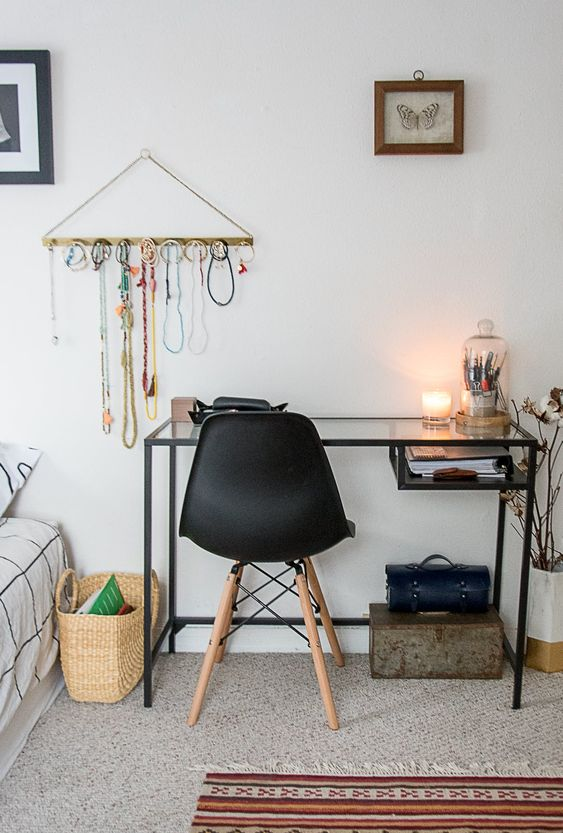 small desk in a bedroom 50+ Aesthetic Bedrooms And 9 Tips On How To Decorate Yours