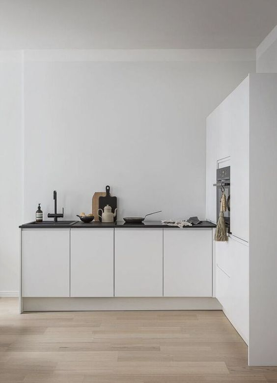 super minimalist These 40+ Kitchen Decor Ideas Will Inspire You To Renovate Yours