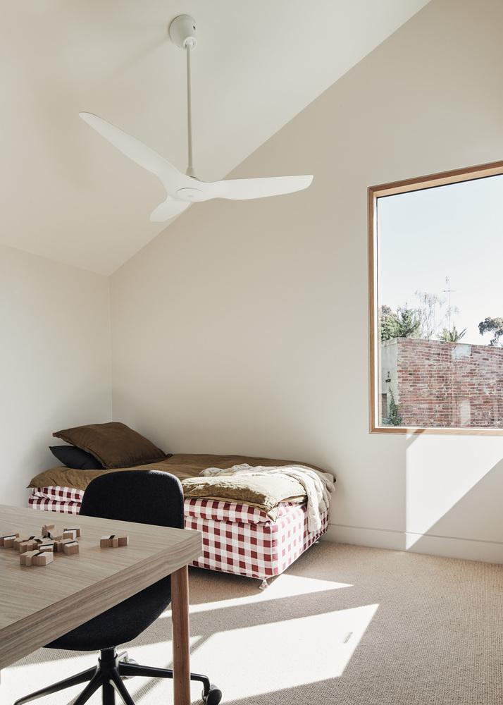 white plastic ceiling fan How to Choose a Ceiling Fan Size and Style for your Home