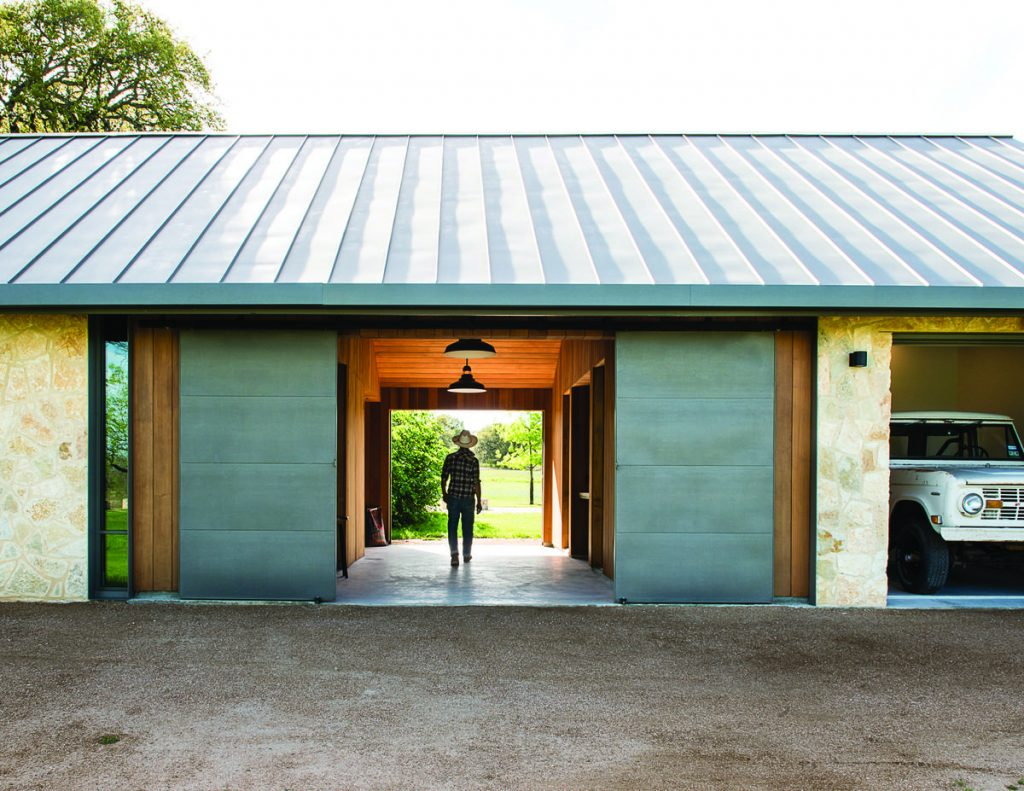 %name Modern Barn by Jobe Corral Architects