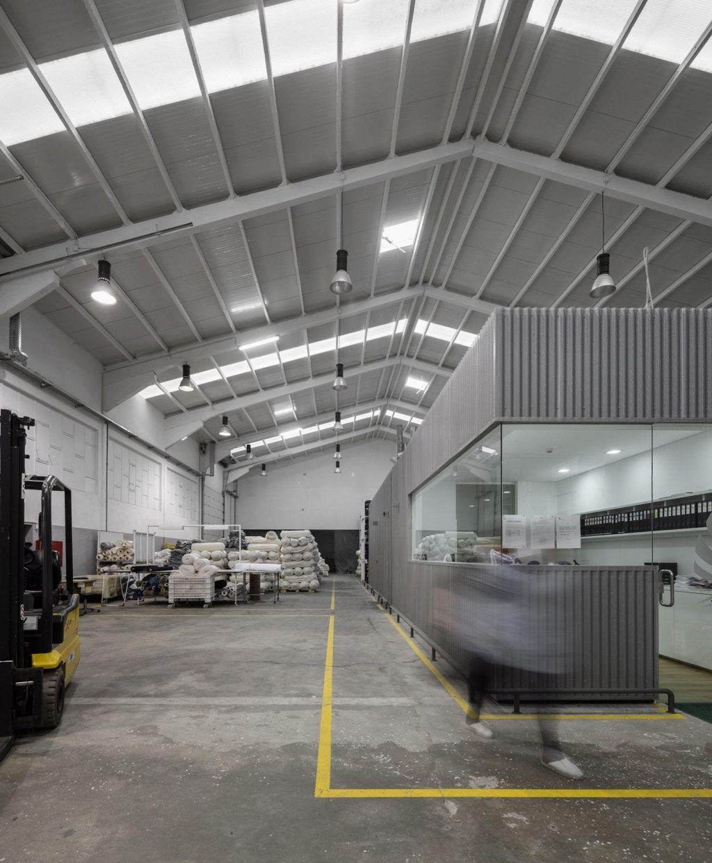 Top 7 Reasons to Invest in Industrial Roof Cleaning