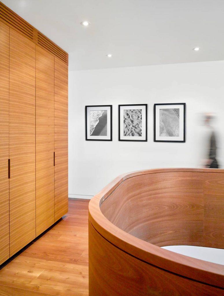 balustrade 775x1024 Garden Circle House by Dubbeldam Architecture + Design