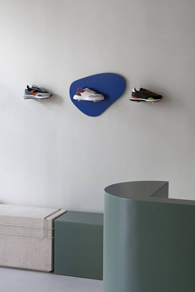 flexible add on metal system 683x1024 Retail Design Concept Unveiled In a New Sneaker Store