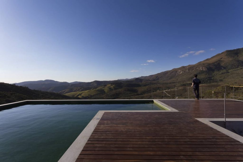 swimming pool 1024x683 A Modern Concrete House In Brazil With Stunning Views Of The Sierra da Moeda