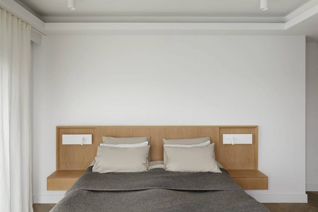 a bespoke headboard in natural oak 1024x683 An Airy Living Space in London by Patalab Architecture