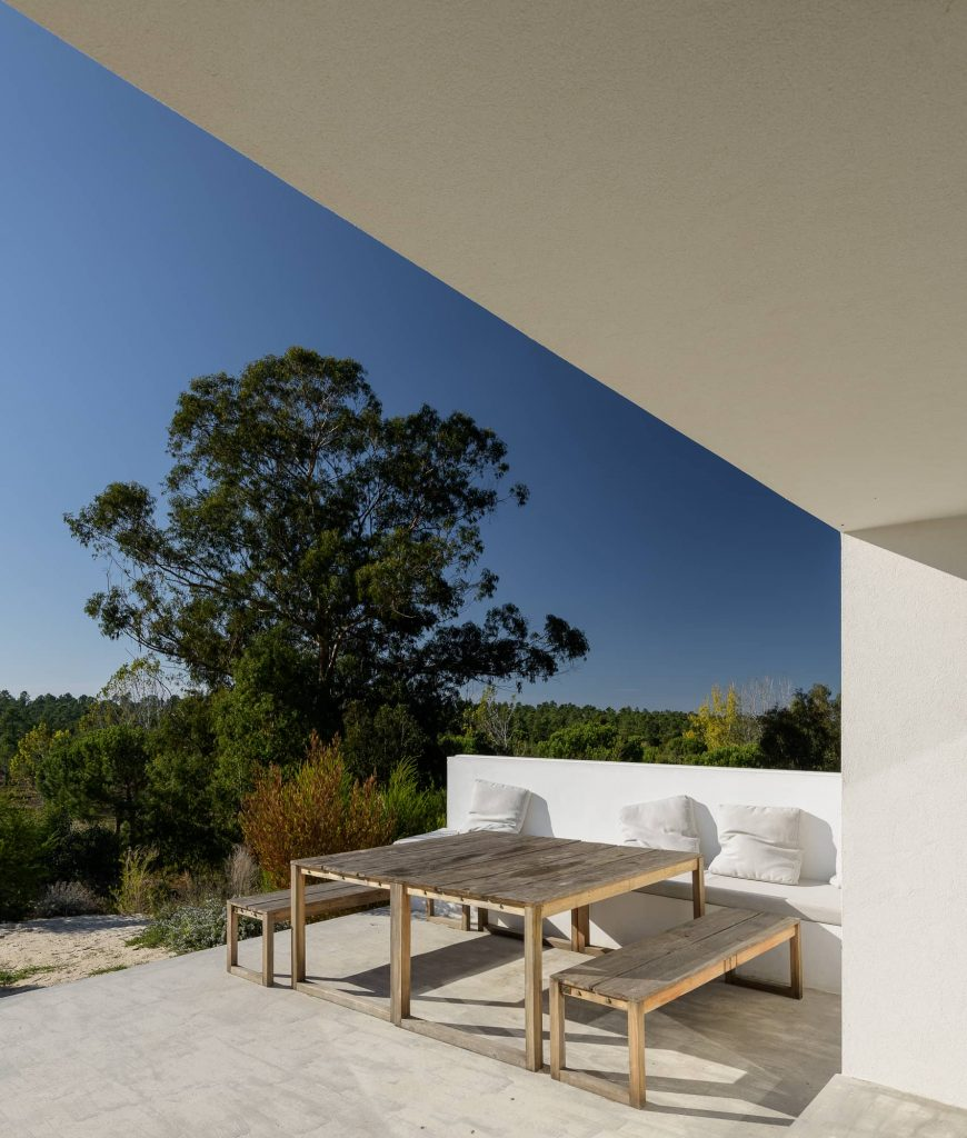 deck with a view to the forest 870x1024 Enter Arquitectura Converts an Old Warehouse Into a Family Home