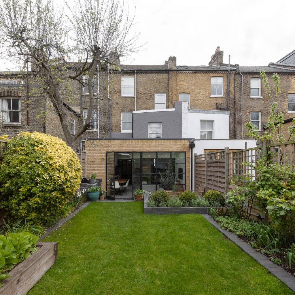 extension and backyard 1024x1024 A Meticulous Restoration of the Original Victorian Terrace House