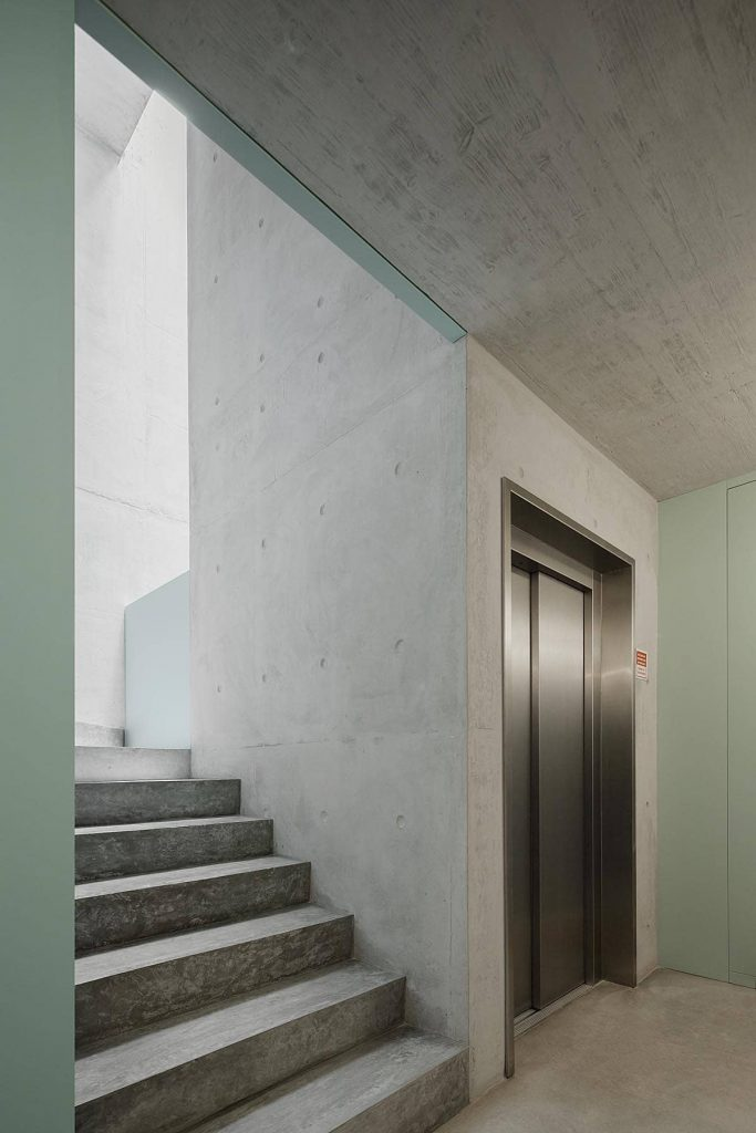 the lift 683x1024 Miguel Bombarda Residential Building by Paula Santos Arquitectura