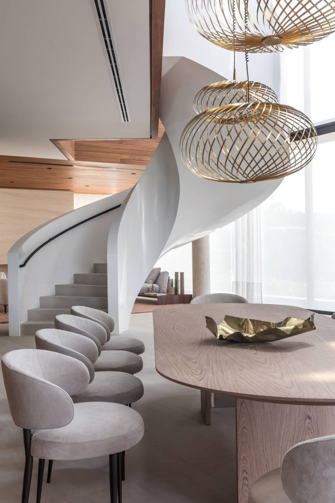dining table and staircase 683x1024 The Panoramic House by Schuchovski Arquitetura