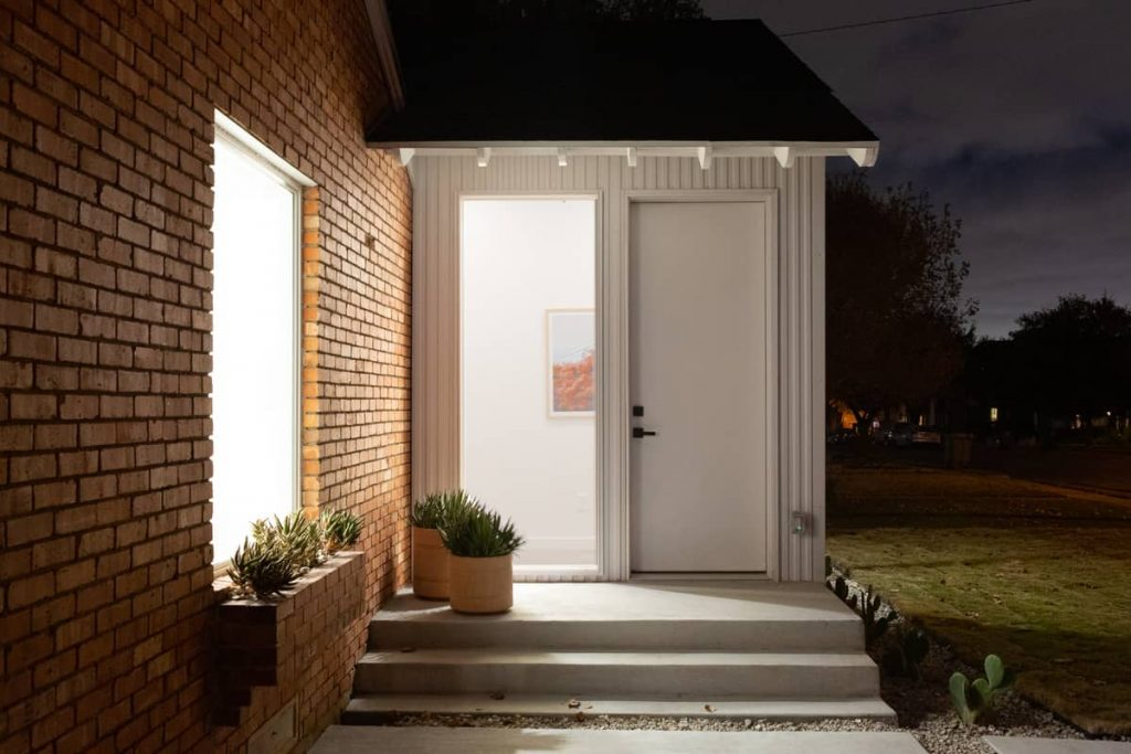 front entry 1024x683 An Addition to a Small 1950s Duplex by Object & Architecture