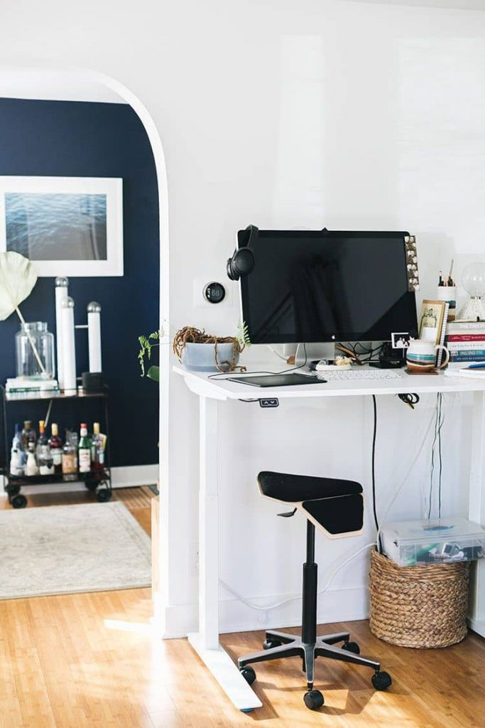 ikea skarsta standing office desk 683x1024 Our Picks: 10 Best White Home Office Desks You Can Get Right Now