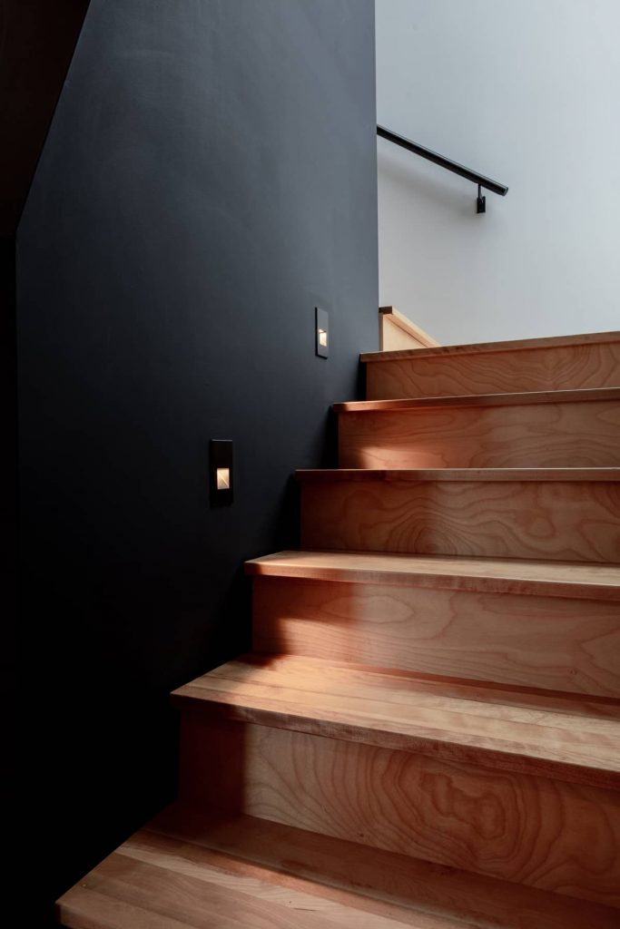 stair lighting 683x1024 Riptide House by RHAD Architects
