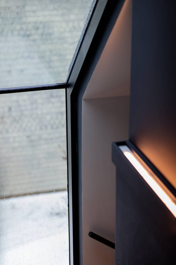 window and lighting detail 683x1024 Riptide House by RHAD Architects