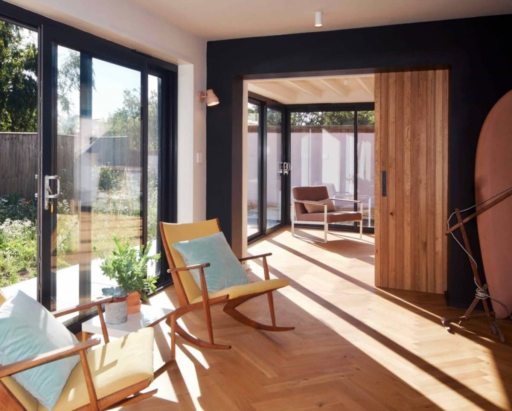 lounge zone 1024x822 A Reinvigoration of a 1960s Detached House by Alter & Company