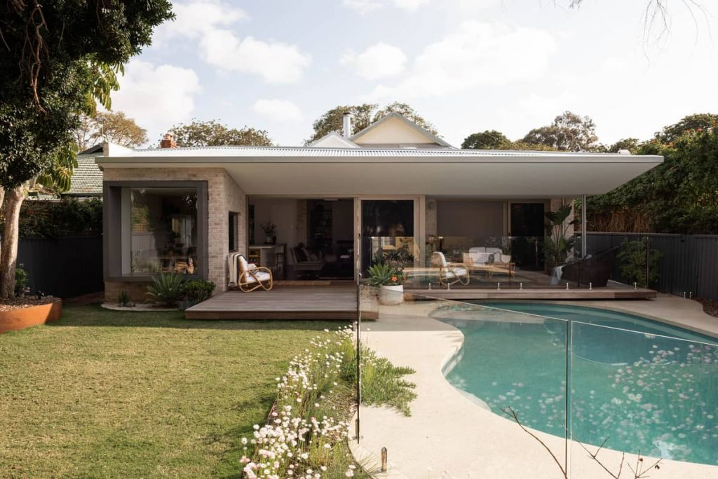 pool 1024x684 A Modernization of a Character Home by Mountford Architects