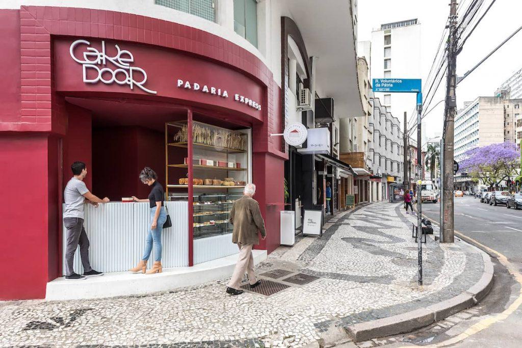 cake door bakery 1024x683 Cake Door   a Corner Bakery by BOSCARDIN CORSI Architects
