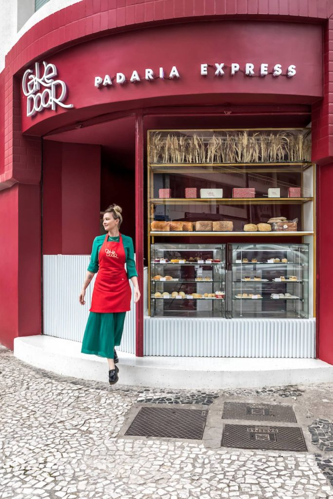 reddish tone facade 683x1024 Cake Door   a Corner Bakery by BOSCARDIN CORSI Architects