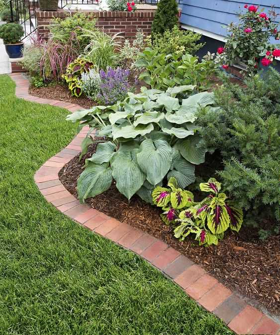 front yard borders 8 Landscape Ideas for Small Front Yards