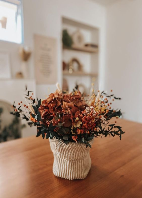 minimalist flower bouquet 5 Best Indoor Flowers and Ways to Incorporate Greenery Into Your Home