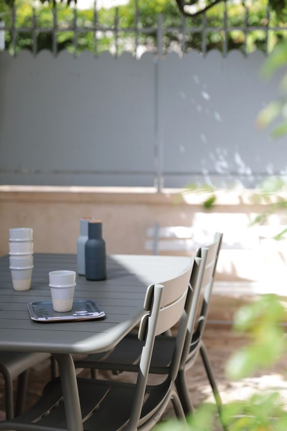 minimalist plastic patio table and chairs 4 Tips To Make Your Outdoor Furniture Last Long