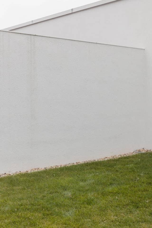 dividing wall Semi Detached House by Adam Balog