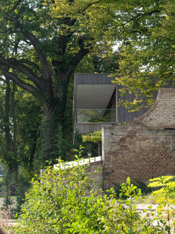 exterior details Haus am See by Carlos Zwick