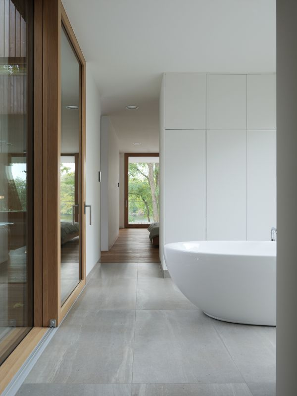 open plan bathroom Haus am See by Carlos Zwick
