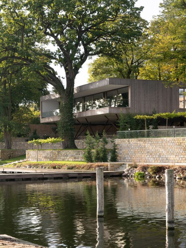 waterfront property Haus am See by Carlos Zwick